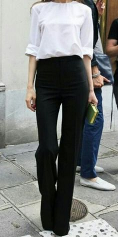 Love a good high waisted pants......and nothing beats the 2 basic colours every woman should have- Black & white