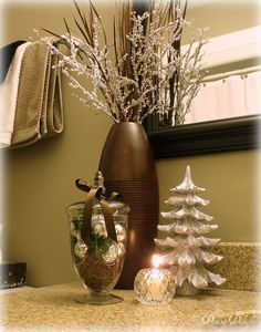 36 Cool Winter Bathroom Decorations Home Design Inspiration 36 Cool Winter Bathroom Decorations Posted By: January 26 This will make your home more cheerful and dazzling It's time to hel Christmas Bathroom Decor, Bathroom Decor Sets, Cozy Bathroom, Christmas 2014, All Things Christmas, Christmas Yard, Elegant Christmas, Christmas Ideas, Seasonal Decor