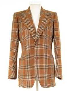 Buy quality classic men's vintage, retro & second-hand designer clothing. Suits, blazers, tweed jackets, formal wear, shoes, coats and accessories. Online UK shop.