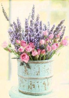 Vintage Tin Can Boquet pink vintage floral rose pastel summertime decorate lavender shabby chic can mint Floral Vintage, Deco Floral, Arte Floral, Shabby Vintage, Vintage Farmhouse, Vintage Flowers, Shabby Flowers, Bedroom Vintage, Farmhouse Ideas