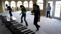 I WANT A GIANT KEYBOARD! this would be my new way of exercising!!!! :D