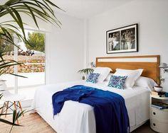 Casa de vacaciones en Menorca: Dormitorio en blanco y azul