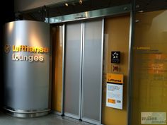 Lufthansa Senator Lounge (Berlin-Tegel) - Check more at https://www.miles-around.de/trip-reports/business-class/aegean-airlines-airbus-a320-200-business-class-berlin-nach-athen/,  #A320-200 #Aegean #AegeanAirlines #Airbus #Airport #ATH #avgeek #Aviation #Berlin #BMW #BusinessClass #Flughafen #Lounge #LufthansaSenatorLounge #myDriver #Trip-Report #TXL