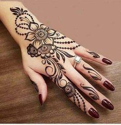 simple flowery mehndi design