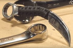 MAKE A CUSTOM KARAMBIT KNIFE FROM A WRENCH