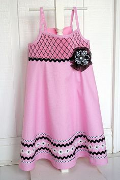 Emily by maja's heirlooms by iveyc95, via Flickr...I love the black on pink!