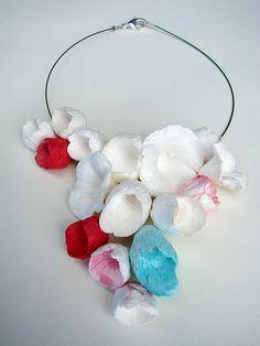 Eco friendly paper jewelry: handmade necklace  with delicate paper flowers boho, natural, vegan style . Gioielli di carta , riciclo creativo by Alessandra Fabre Repetto , €60.00