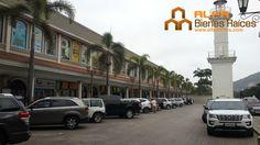 Se vende 2 Locales Comerciales de 100m2 c/u C.C Laguna Plaza  Para mayor información ver el link: http://glurl.co/m2d