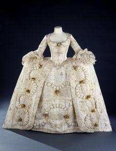 Robe a la francaise- Rococo 18th century.