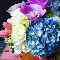 Perfectly #pretty #florals for the cutest girls I know @summerdefrancesco @avadefran  #loveit #best #girls #love #flowers #fitness #fashion #stunning #skye_flowers #florals #gorgeous #photo #photooftheday #likeme #like4like #likeforlike #igers #instagood #instalove #florist #toronto #torontoflorist by skye_flowers