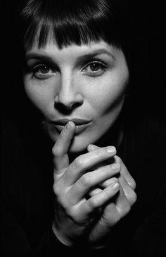 Juliette Binoche (1964) - French actress, artist and dancer. Photo © Marion Stalens, 1997