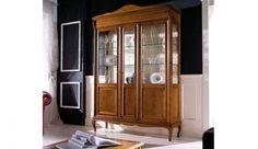 Stylowa witryna wykonana z drewna litego. Szyk, elegancja i ponadczasowa jakość.
