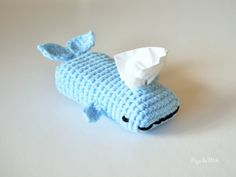 Being sick is a miserable experience. With this crochet whale tissue cozy, you can get through your illness in style with this adorable tissue dispenser! Crochet Amigurumi, Crochet Yarn, Crochet Toys, Free Crochet, Knitting Projects, Crochet Projects, Knitting Patterns, Crochet Patterns, Crochet Whale