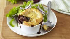 CLASSIC STEAK AND KIDNEY PIE - Treat the family to this traditional steak and kidney pie, made with rich gravy and crispy pastry. Serve with roast vegetables. Steak And Kidney Pie, Rump Steak, Savoury Dishes, Roasted Vegetables, Finger Foods, Love Food, Treats, Dinner, Gravy