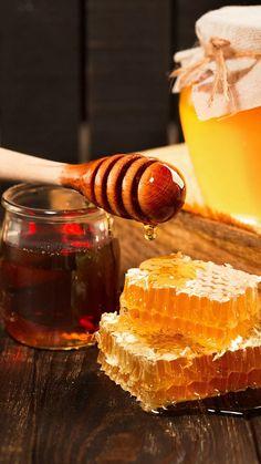 Honey Raw Honey, Milk And Honey, Honey Pictures, Honey Benefits, Health Benefits, Food Backgrounds, Honey Recipes, Organic Recipes, Honeycomb