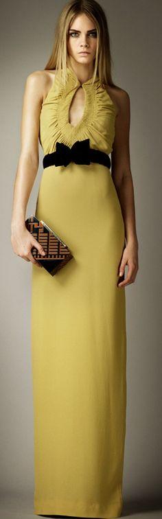 Burberry. #FashionandPassion #style #Fashion #women #Dresses