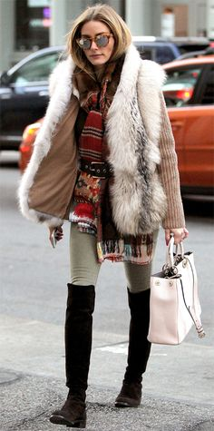 Olivia Palermo wearing a cozy fur-lined knit topper over a belted chunky knit scarf and olive green skinnies, with a pale handbag and black suede over-the-knee Stuart Weitzman boots. Style Olivia Palermo, Olivia Palermo Lookbook, Green Skinnies, Look Boho Chic, Over The Knee, Winter Stil, Looks Style, Winter Wardrobe, Her Style