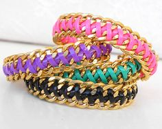 Trendy friendship bracelet with chunky gold chain, Plastic turquoise lace cord