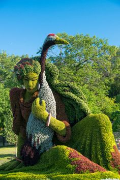 Contemporary landscape by Mosaïcultures Internationales. I think this is beyond my skill set! ;-)