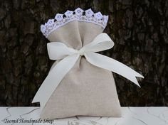 Favor Bag Baby Shower Favor Bags Bridal Shower Favor by Teomil Winter Wedding Favors, Wedding Gifts, Wedding Burlap, Burlap Gift Bags, Produce Bags, Linen Bag, Party In A Box, Bridal Shower Favors, Favor Bags