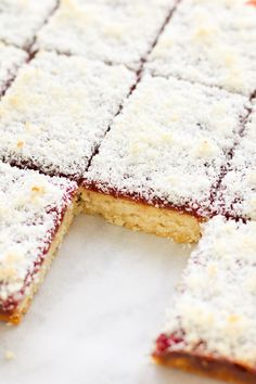 Vegan Raspberry Jam Coconut Slice Amy Le Creations - Although This Is A Raspberry Jam Slice You Could Really Use Any Flavoured Jam You Like In This Recipe If Youre Looking For Some More Slices Make Sure To Check Out These Vegan Passionfruit Sl Gluten Free Desserts, Just Desserts, Dessert Recipes, Healthier Desserts, Healthy Vegan Snacks, Vegan Treats, Vegan Food, Healthy Baking, Vegan Brownie