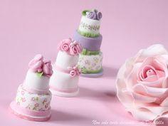 mini wedding cakes  | Beh...ci ho provato anch'io eh...