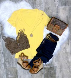 Comfortable Summer Outfits, Summer Outfits For Moms, Spring Outfits Women, Mom Outfits, Fall Outfits, Cute Outfits, Basic Shorts, Basic Tees, Long Shorts