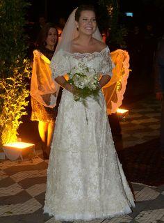 CORREIO   O QUE A BAHIA QUER SABER: Vestido de noiva de Fernanda Souza demorou um ano para ficar pronto