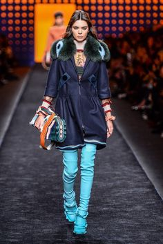 - Milan Fashion Week - Yet another exemplary offering from Karl Lagerfeld . Fendi's Ready To Wear collection displayed diversity in. Fashion Wear, Milan Fashion, Couture Fashion, Love Fashion, Kendall Jenner Runway, Kendall Jenner Modeling, Fendi Clothing, Business Fashion, Autumn Winter Fashion
