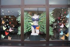 III 2016 #spring #displaywindows #biłgoraj #visualmerchandising #handmade #origami #butterfly #butterflyeverywhere #lingerie #noszebiustonosze #brafitting