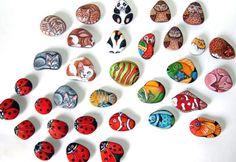 A arte da pintora Italiana Ernestina Gallina consiste em trabalhos de pintura em pedras. Ernestina pinta pedras que se transformam em idéias de presentes originais.