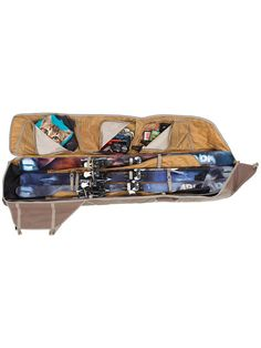 Armada Hauler Double 195cm Ski Bag im Blue Tomato Online Shop schnell und einfach bestellen. Die Armada Hauler Double 195cm Ski Bag. Snowboarding, Skiing, Armada Skis, Bmx, Snow Gear, Shops, Online Bags, Belle Photo, Suitcase