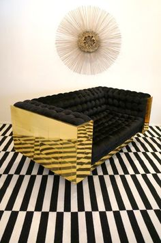 Modern two seat sofa in black and gold. Sofa Furniture, Modern Furniture, Furniture Design, Salon Furniture, Loveseat Sofa, Sofa Chair, Tufted Sofa, Interior And Exterior, Interior Design