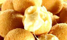 As Bolinhas de Queijo sem Massa são muito práticas e repletas de queijo. Faça como petisco ou para as festinhas. De qualquer forma, será um enorme sucesso!