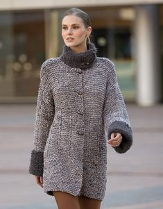 Book Woman Urban 84 Autumn / Winter | 25: Woman Coat | Light grey / Dark grey