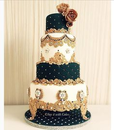 20 over-the-top wedding cakes that are a feast for the eyes Extravagant Wedding Cakes, Indian Wedding Cakes, Amazing Wedding Cakes, Indian Cake, Buffets, Royal Cakes, Sugar Cake, Rustic Cake, Gorgeous Cakes