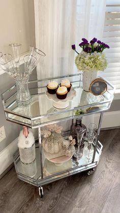 Cozy Teen Bedroom, Diy Bedroom Decor For Teens, Pink Bedroom Decor, Teen Bedroom Designs, Master Bedroom Interior, Home Bar Decor, Decor Home Living Room, Fall Home Decor, Home Decor Styles