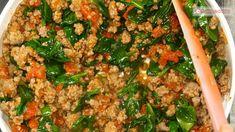 Notați o rețetă incredibilă din ingrediente obișnuite: cartofi gratinați cu carne tocată! - savuros.info Fried Rice, Mozzarella, Fries, Ethnic Recipes, Food, Essen, Meals, Nasi Goreng, Yemek