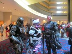 Dragaon*Con 2013 - Halo Soldiers with Hello Kitty Halo