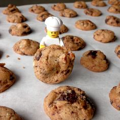 Food Pusher: Crisp Mini Chocolate Chip Cookies