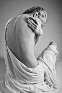 Black and White Photography of Women: How Take Beautiful Pictures – Black and White Photography Body Art Photography, Photography Women, Boudoir Photography, Portrait Photography, Black And White Portraits, Black And White Photography, Photos Corps, Photographie Art Corps, Foto Flash