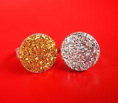 A Splendid Assemblage: DIY: Glitter Ring