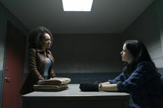 The Defenders - Simone Missick (Misty Knight), Krysten Ritter (Jessica Jones) Jessica Jones, Entertainment Weekly, Marvel Entertainment, Luke Cage Iron Fist, Simone Missick, Tv Series 2017, Dragon Series, Defenders Marvel, Krysten Ritter