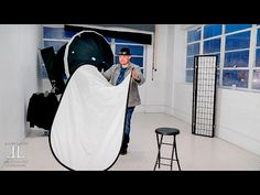 Quick Tip: How to Easily Fold a Reflector in One Simple Motion - fotomatter.net