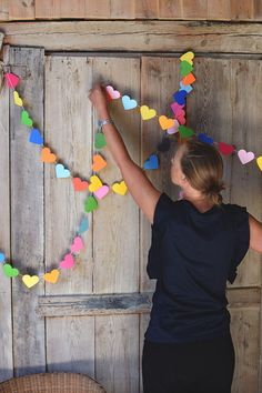 Pyssel DIY: Gör flaggspel med hjärtan