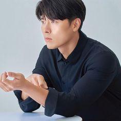 Hyun Bin, Asian Actors, Korean Actors, Acting Skills, Gong Yoo, My Crush, Kdrama, Crushes, Tv Shows