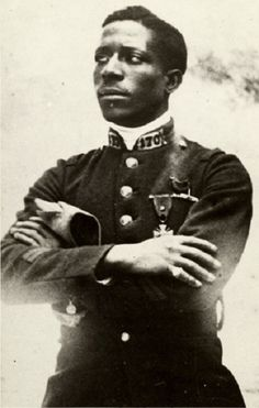 Born in 1895 in Georgia, Eugene Bullard left the racist climate of the American south and traveled to Europe at the age of 12, becoming a boxer first, and then a pilot. When WWI broke out in 1914, Bullard joined the French Foreign Legion. He was 19 years old.