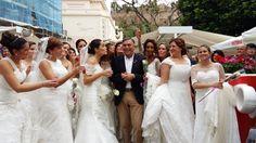 Las novias de #Malaga visitan El Pimpi después de desfilar en el Teatro Cervantes de Málaga con La Gioconda Novias!! #RevoluciondelAmor