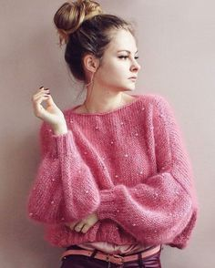 New knitting sweaters cardigan style Ideas Knitwear Fashion, Cardigan Fashion, Knit Fashion, Style Fashion, Pull Mohair, Mode Boho, Mohair Sweater, Fluffy Sweater, Knitting Designs