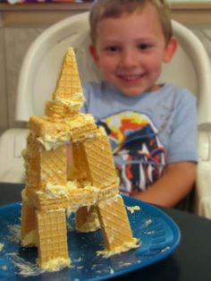 Making the Eiffel Tower ! Learning about France at School Time Snippets